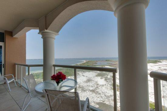 Stunning *Panoramic* Views-2/2.5 Luxurious Condo! - Image 1 - Pensacola Beach - rentals