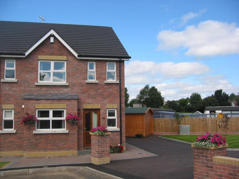 PARKHEAD LODGE BALLYMENA - Parkhead Lodge Self Contained 3 Bed Townhouse - Ballymena - rentals