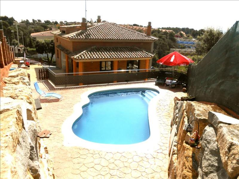 Picturesque villa in Pedrasanta, just 25km from Barcelona - Image 1 - Sentmenat - rentals