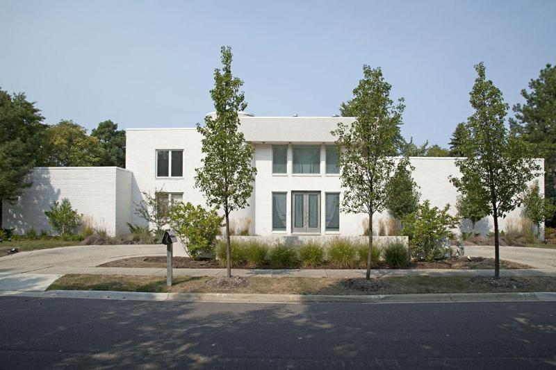 Exterior of House - Contemporary House in the Suburbs of Chicago - Chicago - rentals