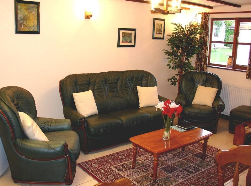 Badgers Cottage lounge, Deanwood Holiday Cottage - Badger Cottage Forest of Dean, Walk, Cycle, Relax - Lydney - rentals