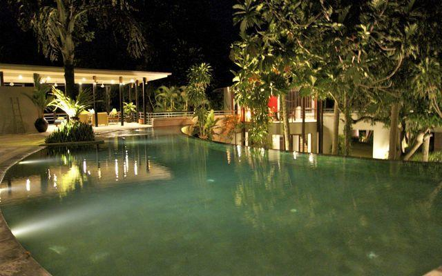 Swimming Pool area at Night - Bali Canggu 4 bedroom Luxury Villa 100m beach. - Canggu - rentals