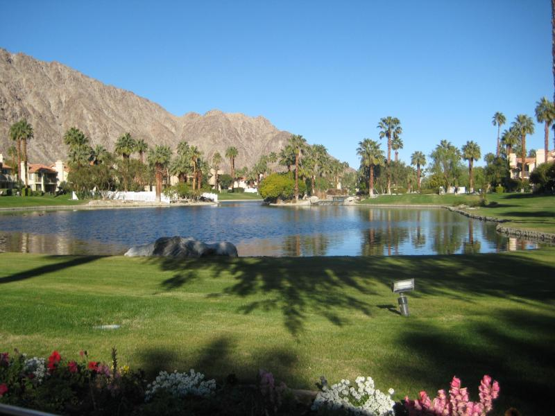 Come see PGA West and its incredible grounds. This nearby lake is much better in person.  - Spacious Resort Home PGA West La Quinta, CA - La Quinta - rentals