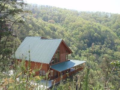Amazing Views, 3 fireplaces, Hot Tub, fast WIFI - Image 1 - Sevierville - rentals