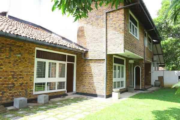 Self-catering Residence in Mt. Lavina, Colombo - Image 1 - Mount Lavinia - rentals