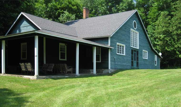 Phoenix Cottage is a Vintage Treasure - Vintage Cottage on Golf Course at Otsego Lake - Springfield Center - rentals