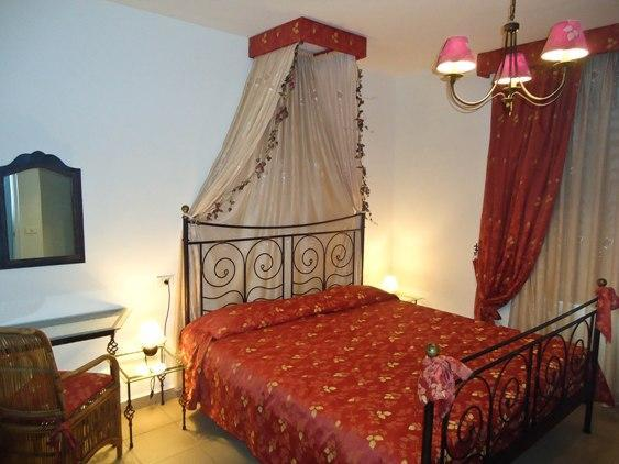 The Red bedroom - Wonderful Romantic Holiday House on the beach! - Icod de los Vinos - rentals