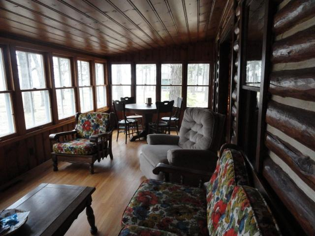 Lakeside front room - 3 bdrm Log Cottage on Gull Lake beach northern MN - Nisswa - rentals