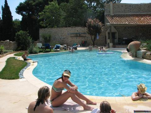 Relaxing by the lovely private pool. - Quality 6 bedroom villa with pool in Mailhac - Mailhac - rentals