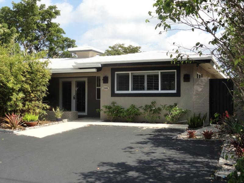 Front Entrance - 2 Bedroom Guest House in Wilton Manors - Wilton Manors - rentals