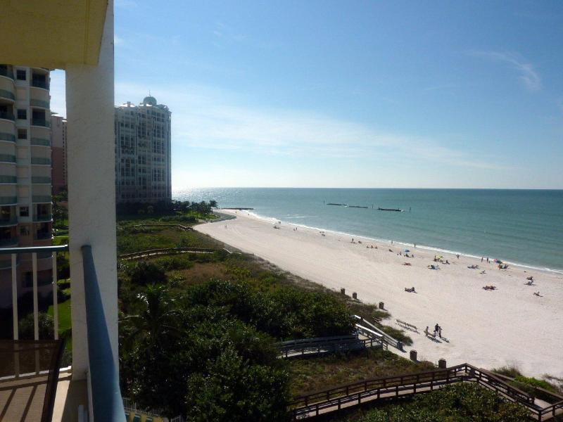 SPECTACULAR PANORAMIC VIEW OF THE SOUTH BEACH - UPDATED BEACHFRONT CONDO WITH PARANORAMIC VIEW - Marco Island - rentals