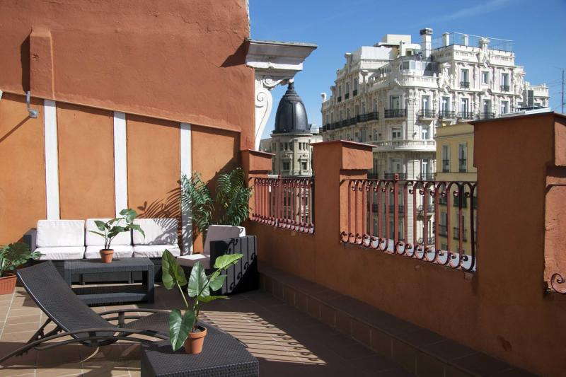 Luxury Penthouse 8 people amazing views of Madrid - Image 1 - Madrid - rentals