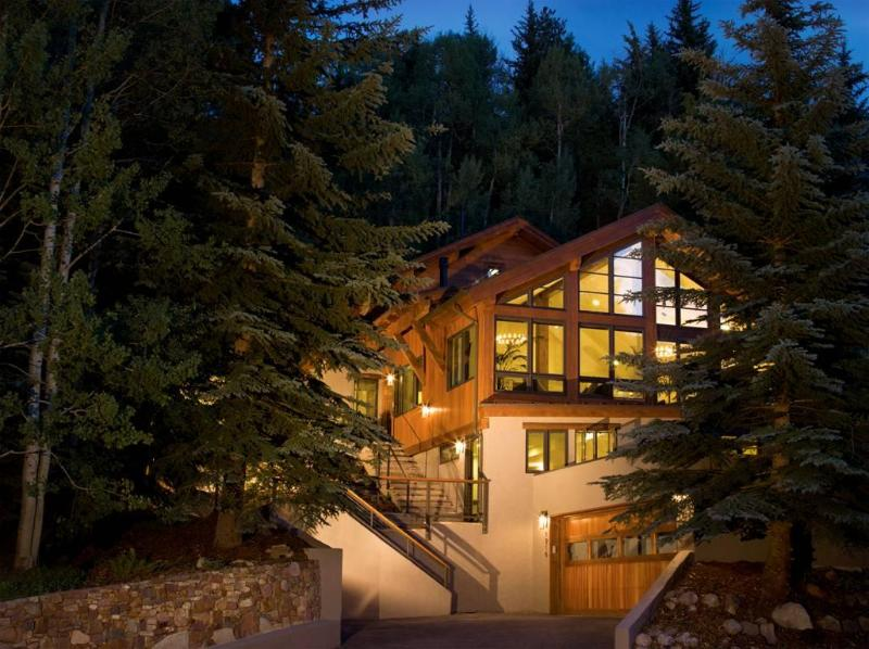 Gore Creek Lodge is located in West Vail, directly on the free Town of Vail bus - Platinum-Rated, Luxurious, On Bus, Hot tub,View - Vail - rentals