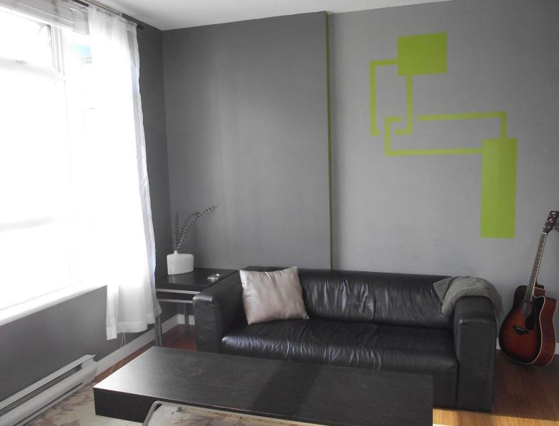 Living room with lots of light and a view - Sleek central D/T view pool sauna - Vancouver - rentals