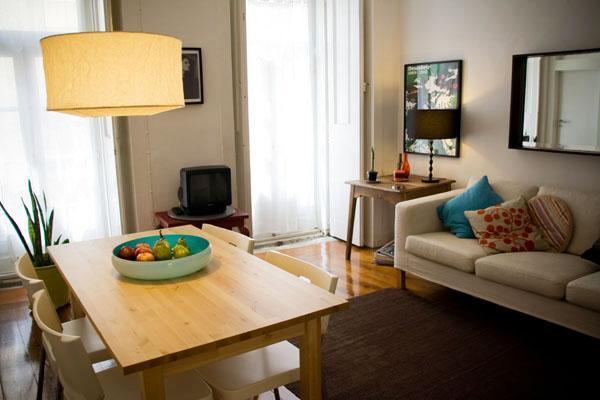 Cozy apartment between Chiado and Bairro Alto - Image 1 - Lisbon - rentals