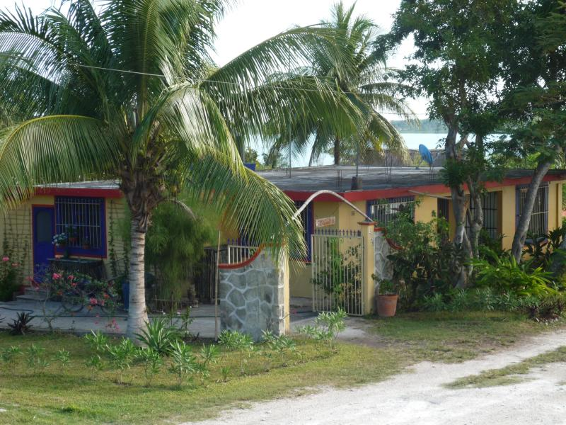 What you'll first see - 3 Q-bed Home S of Bacalar, Mex & just N of Belize - Bacalar - rentals
