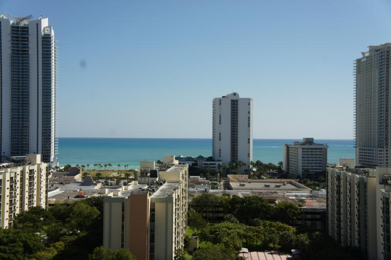2/2 Ocean front penthouse 3 min walk to the beach - Image 1 - Sunny Isles Beach - rentals