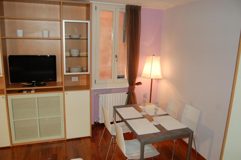 ALBIROLI APARTMENT Charming and quiet city centre - Image 1 - Bologna - rentals