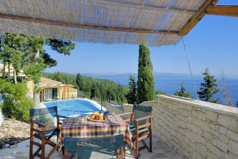 Outdoor dining above the infinity pool - 3 bed villa with pool close to Loggos, Paxos - Loggos - rentals
