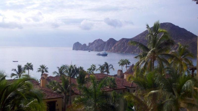 stunning view from balcony - Hacienda Beach Club Majestic Ocean View Cabo - Cabo San Lucas - rentals