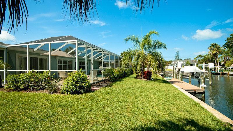 View of Pool and Canal - Anna Maria 3 bedroom Canal/Pool/Close to Beach - Holmes Beach - rentals