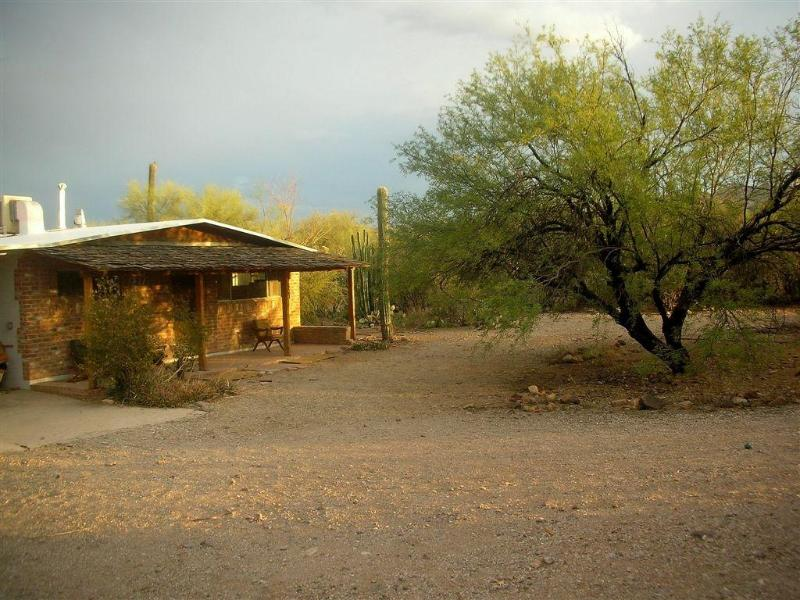 Old Shatterhand's Arizona Guest House - Modern Adventures in the Old West - Tucson - rentals