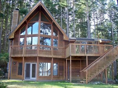 Panoramic views from the waterside of this large comfortable Playhouse...  - Playhouse on Penn Cove in Whidbey Island - Coupeville - rentals