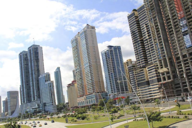 View of the Building (the salmon colored one) - Spectacular Apartment on Ave. Balboa, Panama City - Panama City - rentals
