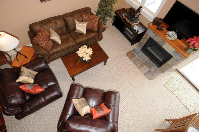 Casa Moonlight Two - double height living area - Casa Moonlight Ski-in/Ski-out Direct to Iron Horse - Big Sky - rentals