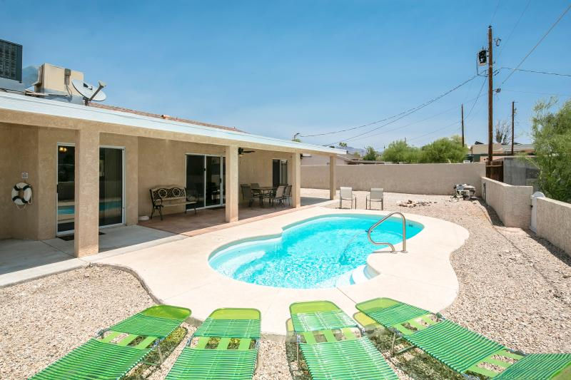Private Pool in Backyard - Spacious 3bed/3bath home w/ Heated Pool - Lake Havasu City - rentals
