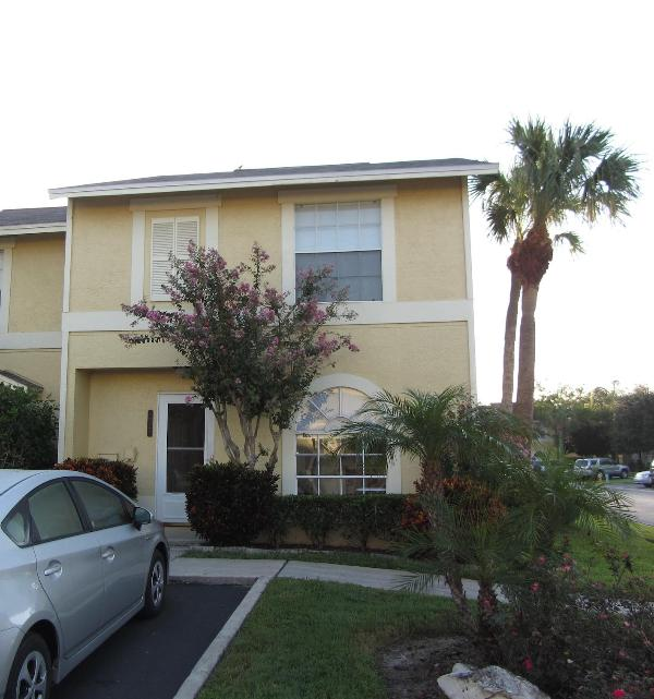 Beautiful house, beautifully landscaped! - Bright,Beautiful & Spacious villa in Clearwater - Clearwater - rentals