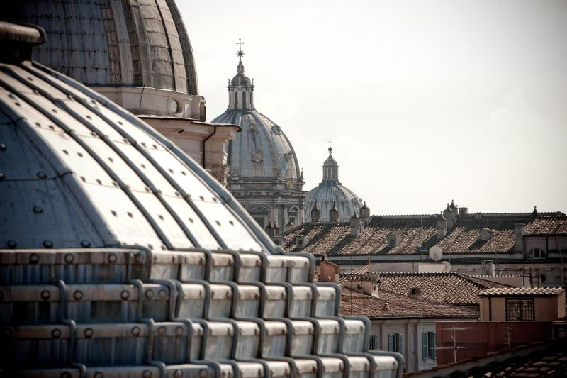 View of the cloister from the Terrace - Torretta Penthouse - Rome - rentals