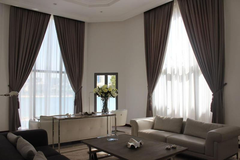 Formal Family Sitting Room - Holiday Home Classic Villa 4 B/R - Palm Jumeirah - Dubai - rentals