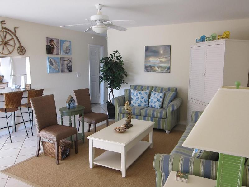 Living - Quiet 2/1 with private beach and free boat dock - Sanibel Island - rentals