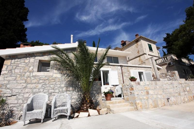 Apartment is located on the ground floor of this attractive white stone house - Waterfront 2 Bedroom Apartment in a Korcula Bay - Korcula - rentals