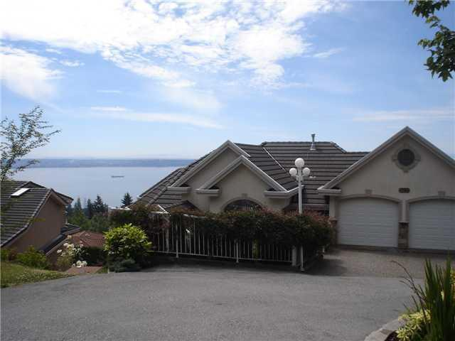 Street view - West Vancouver Luxury View Home - West Vancouver - rentals
