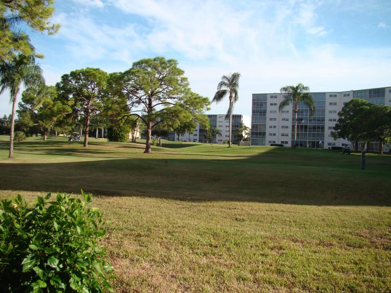 view of 14th tee from condo - 2 Bdrm 2 Ba Golf Front Condo in Bradenton FL - Bradenton - rentals
