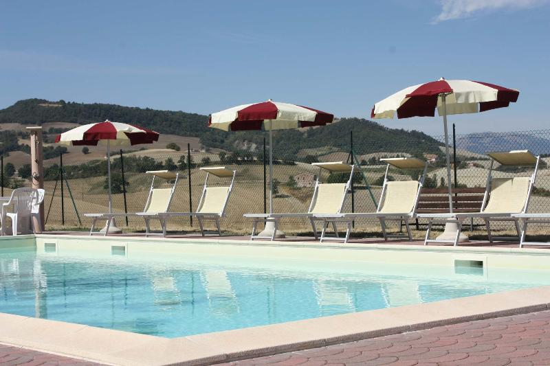 Villa with pool, 11 sleeps, ideal for families - Image 1 - Pergola - rentals