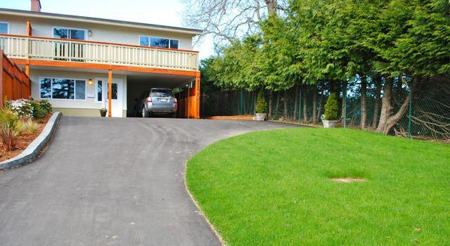 Just like home with lots of parking available - University Heights Vacation Home - 3bdrm/2bath - Victoria - rentals