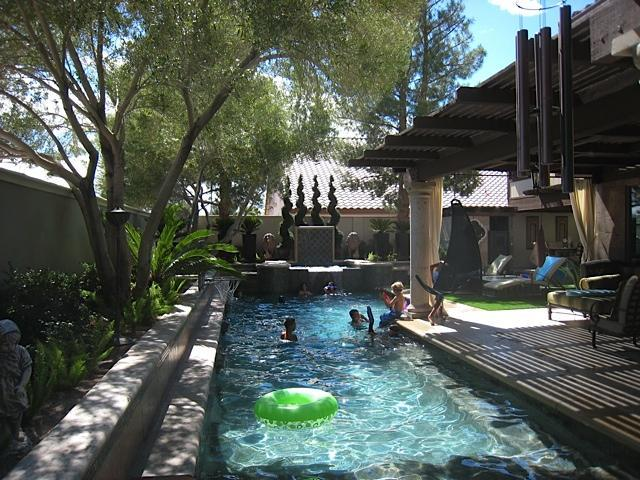 Enjoy the wonderful, private pool - Elegance and Amazing Location! Close to Strip, Malls & Airport - Las Vegas - rentals