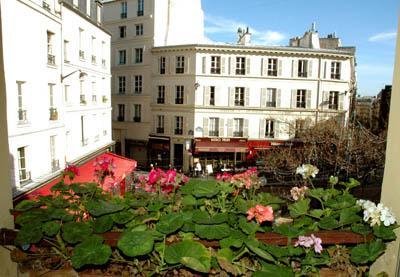 View from the living room over the square. - Elegance in the Latin Quarter-2 Bedrooms/2 Baths - Paris - rentals