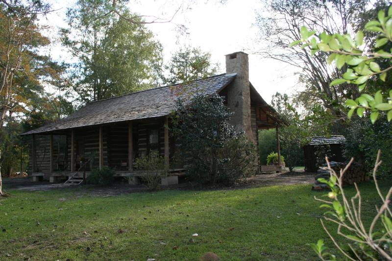 1884 log cabin of Meador Homestead - 1885 log cabin and modern cabin B&B in Hattiesburg - Hattiesburg - rentals
