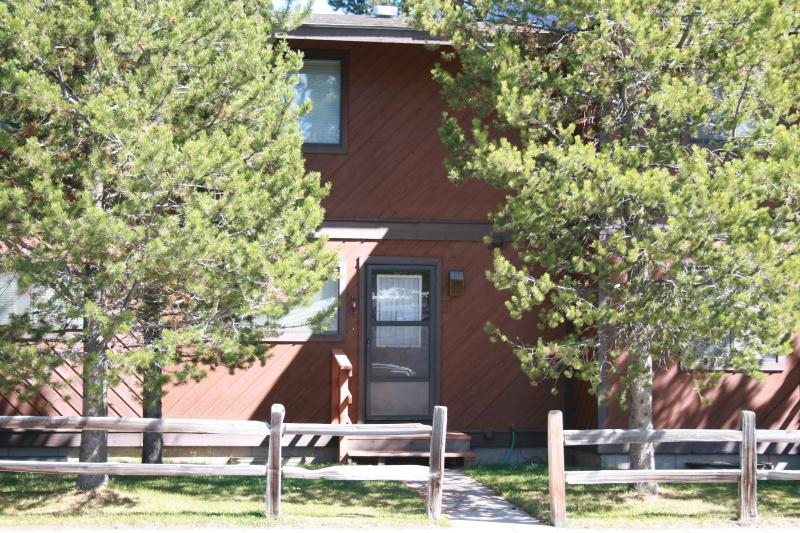 Ground level entrance - Townhouse rental at Yellowstone Park's west gate - West Yellowstone - rentals