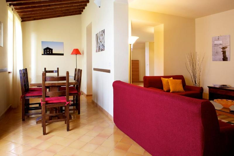 living room and dining room - A beautiful Villa (8 pax) in Siena - Siena - rentals