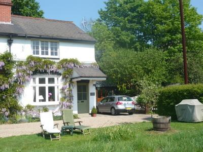 Station Cottage spacious Victorian house nr London - Image 1 - Denham - rentals
