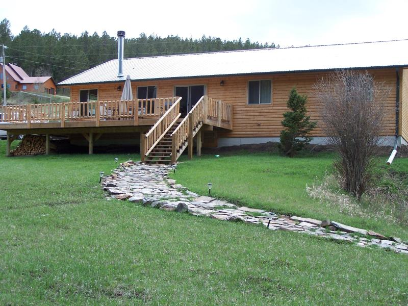 Creekside Cabin with Mountain Views - Image 1 - Hill City - rentals
