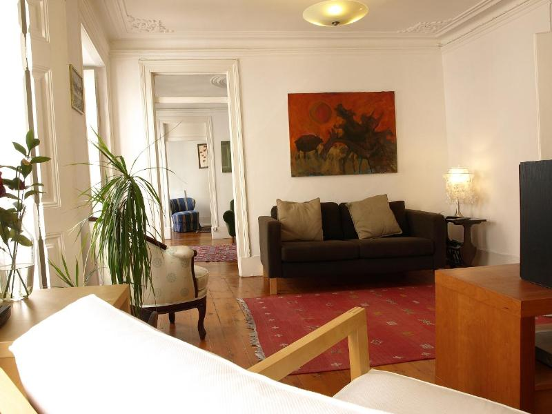 Charming Apartment w/ Large Terrace, Lisbon Center - Image 1 - Lisbon - rentals