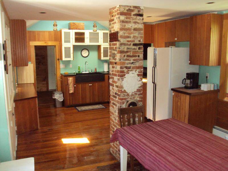 Country Kitchen - 4 Br. 3 bth Eastham Historic Cap'n J.F.Mayo House - Eastham - rentals