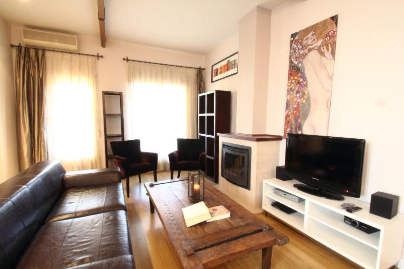 3 Br Penthouse with a terrace Barrio de Salamanca - Image 1 - Madrid - rentals