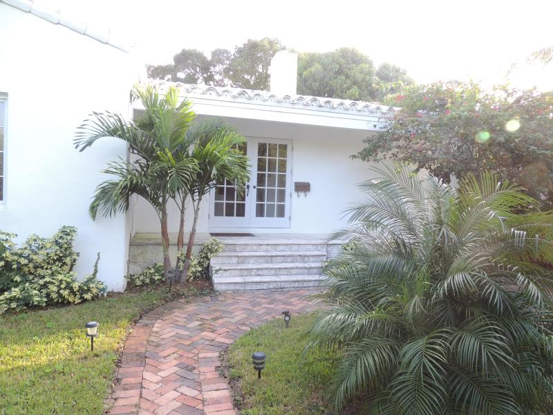 Di Lido Island 4br/2ba with pool and Jacuzzi - Image 1 - Miami Beach - rentals